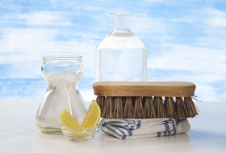 homemade-cleaners_214343215